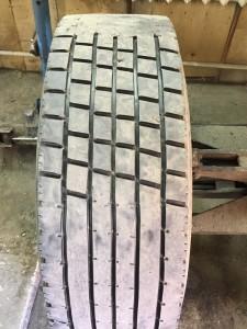 Углубление протектора грузовых шин