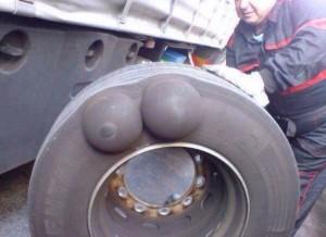 Боковая грыжа грузового колеса